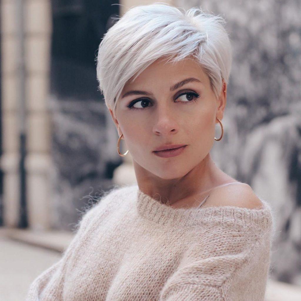 Модное окрашивание волос 2021 на короткие волосы